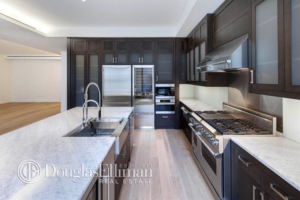 66 East 11th Street kitchen