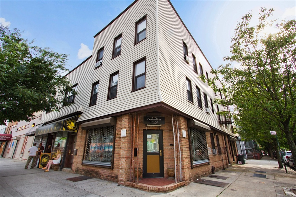 283-285 Graham Avenue exterior