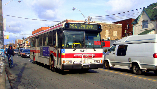 29 Dufferin Bus