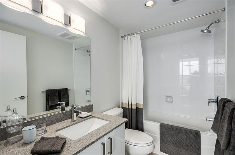 Northbank bathroom