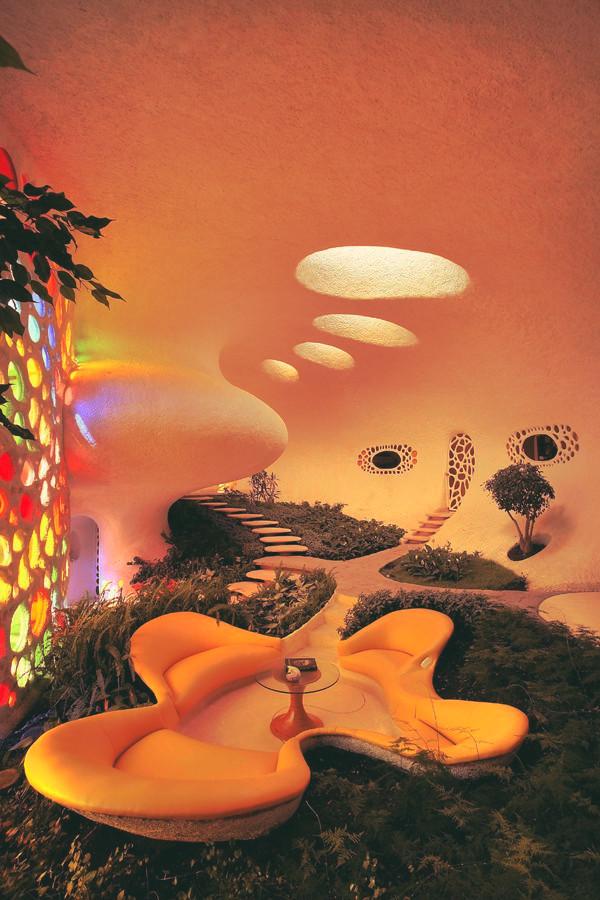 indoor garden lounge