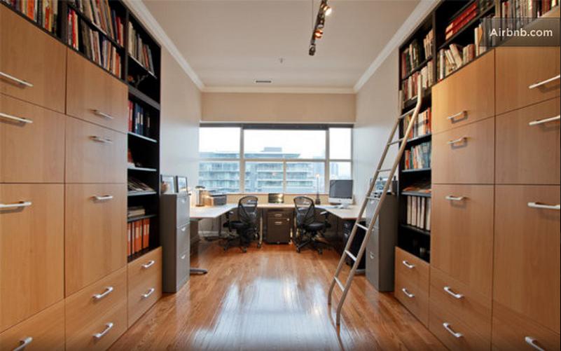 Airbnb Toronto clocktower
