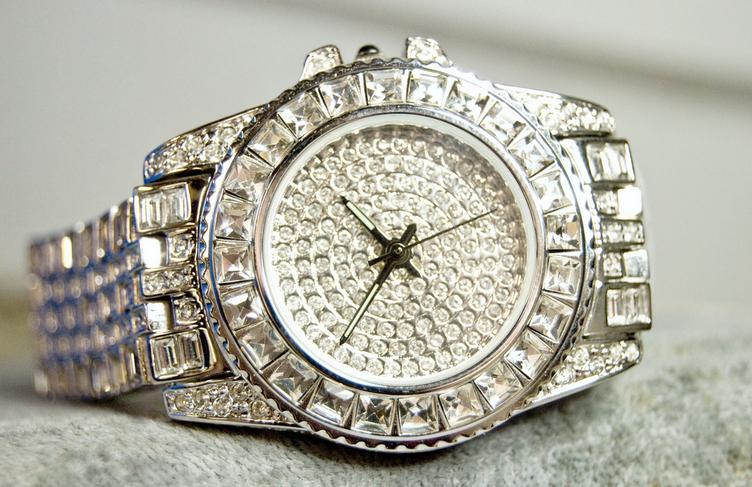 Apple Watch vs Rolex