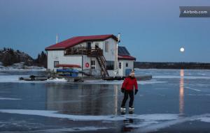 Yellowknife houseboat