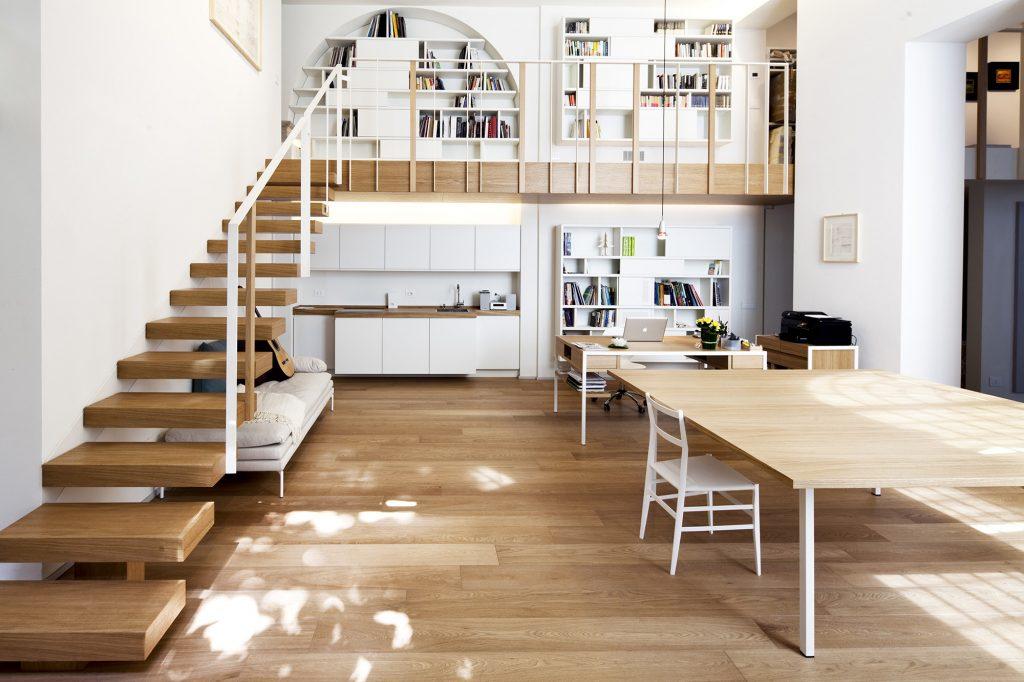 open-concept t-house