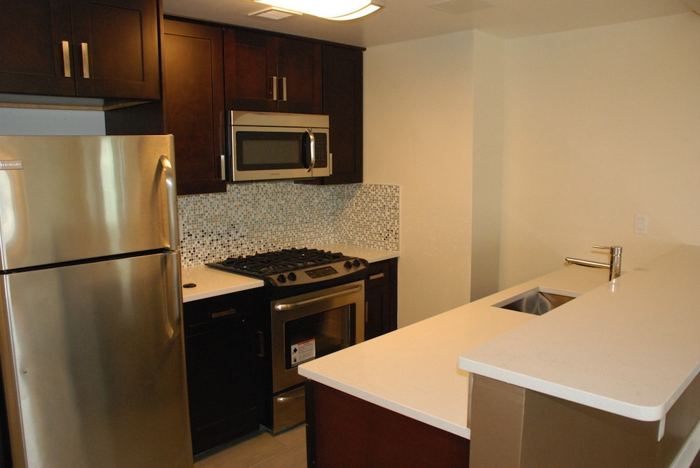23-88 31st kitchen 2