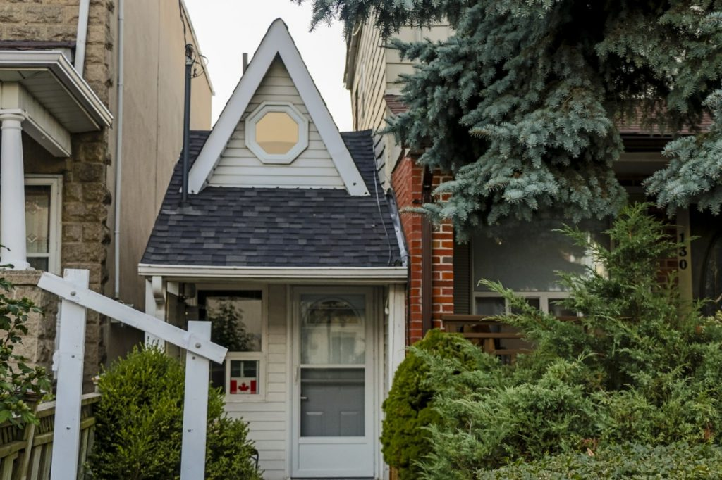 Smallest house toronto