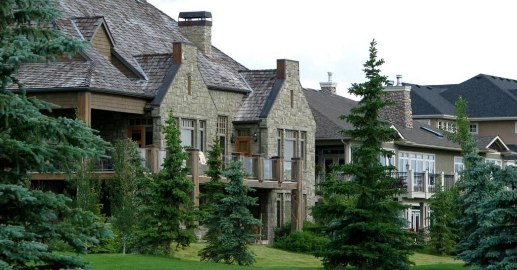 Calgary luxury housing market