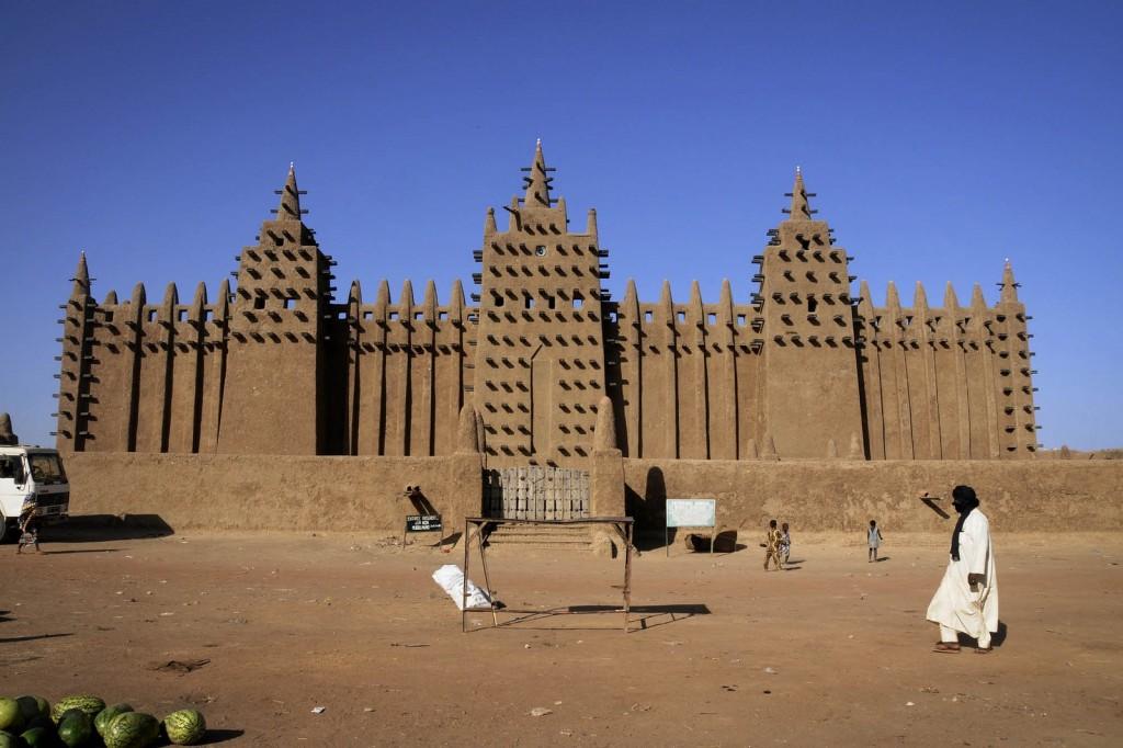 largest mud building