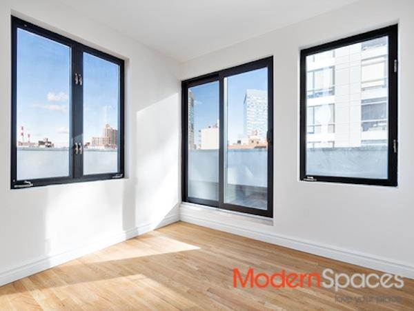 26-20 jackson avenue windows