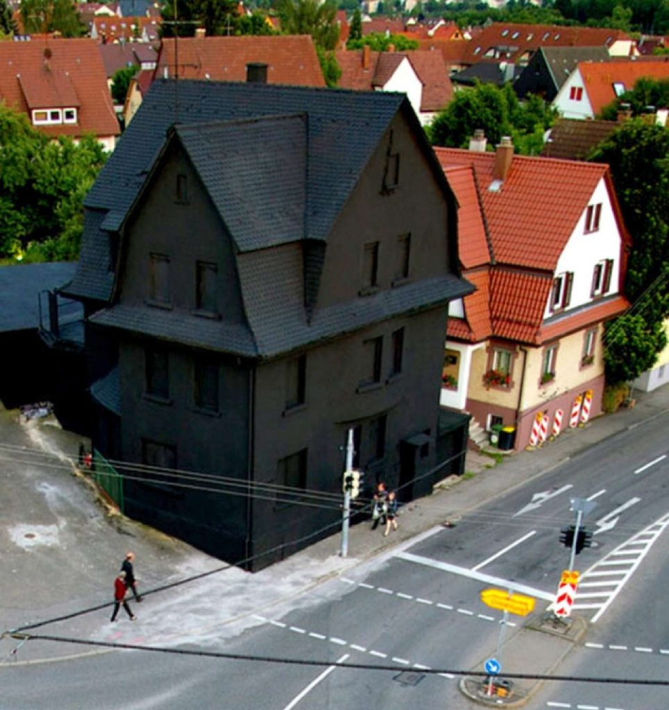 all black house-3