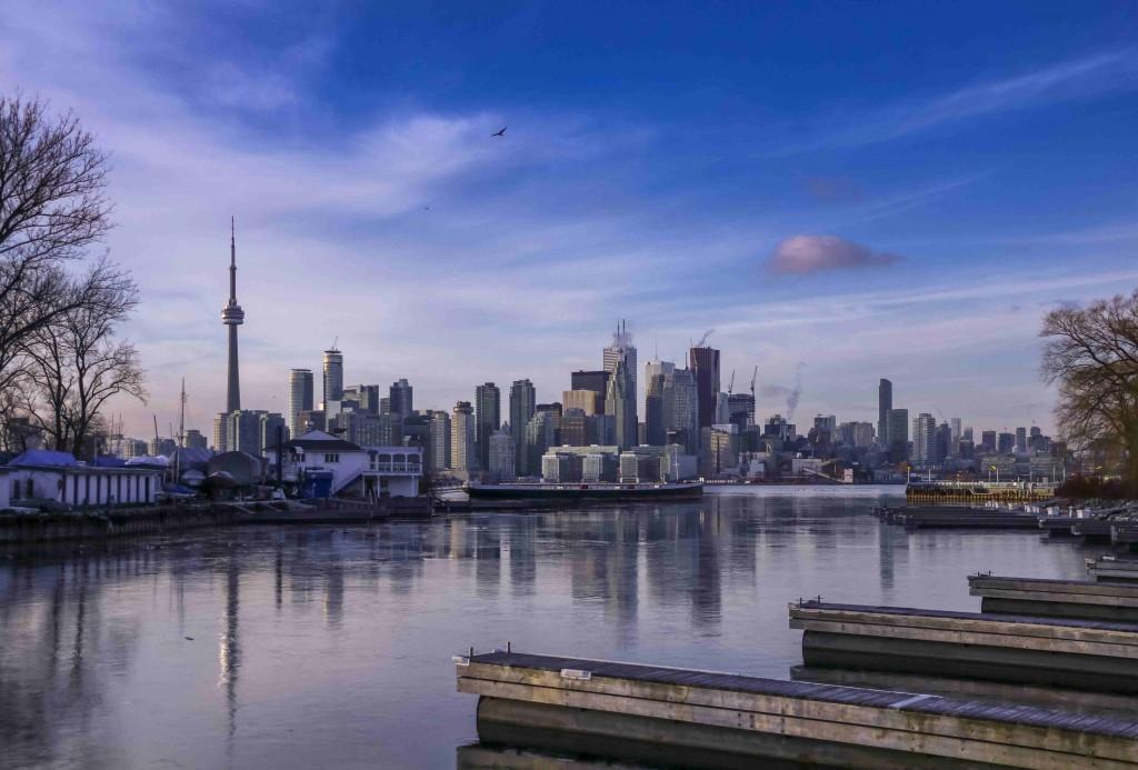 Toronto metropolitan population 6 million