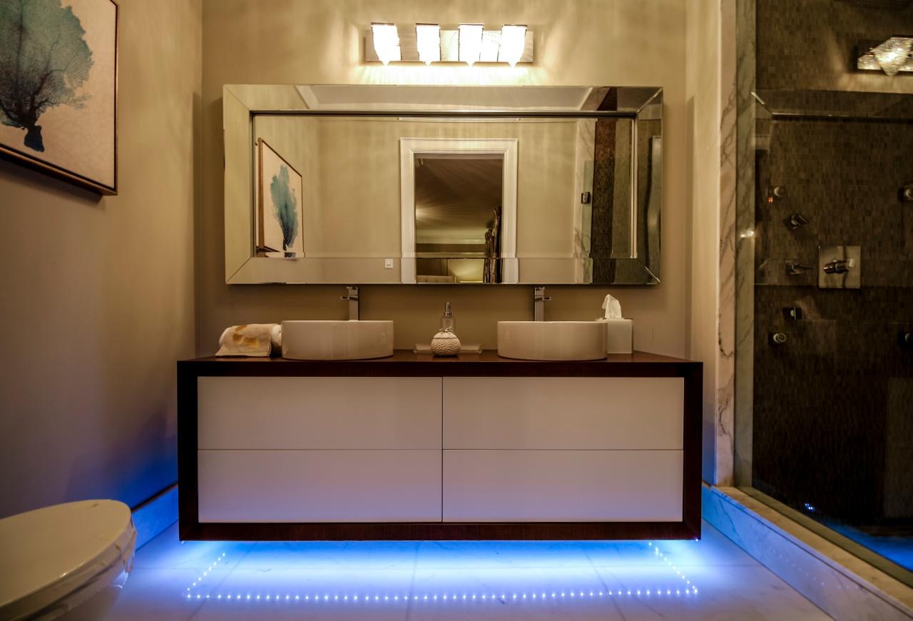 5959YongeSt_Bathroom2