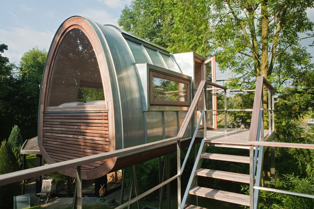 Luxury tree house tiny house-1