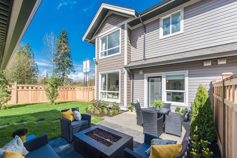 Cliffstone row homes Maple Ridge backyard
