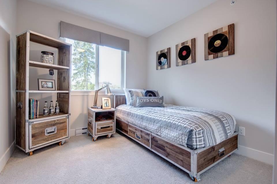 Cliffstone row homes Maple Ridge bedroom