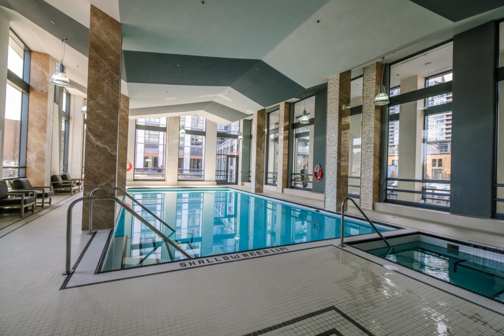 LoveCondos_SwimmingPool