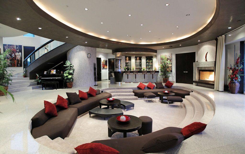 bar and sunken lounge