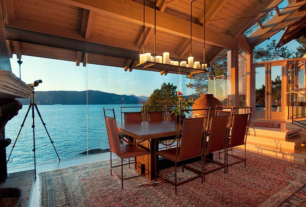 dining ocean view
