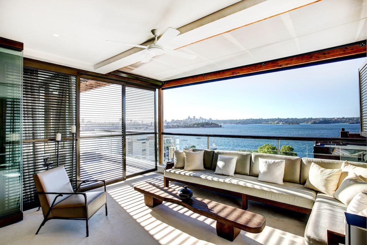 lounge ocean view