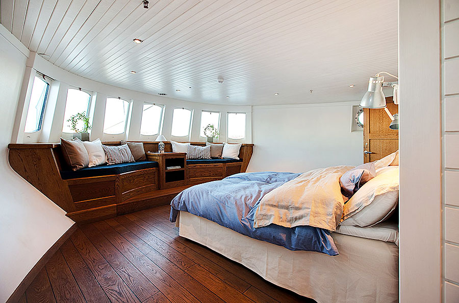 converted home barge