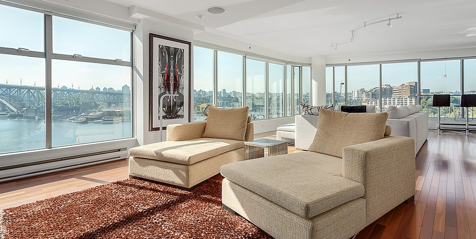 Canada luxury housing market