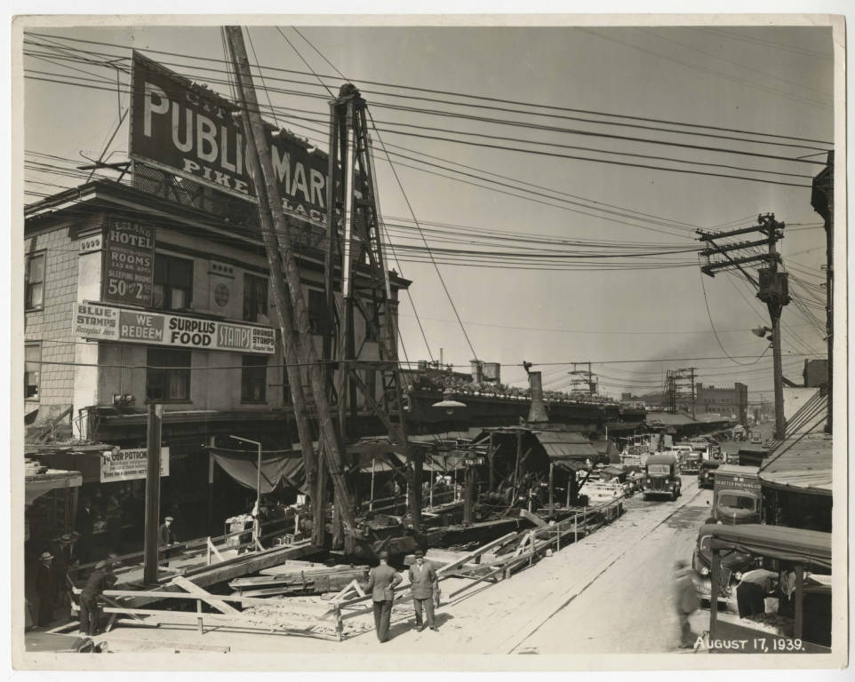 Construction_on_Pike_Place_in_front_of_Leland_Hotel 1