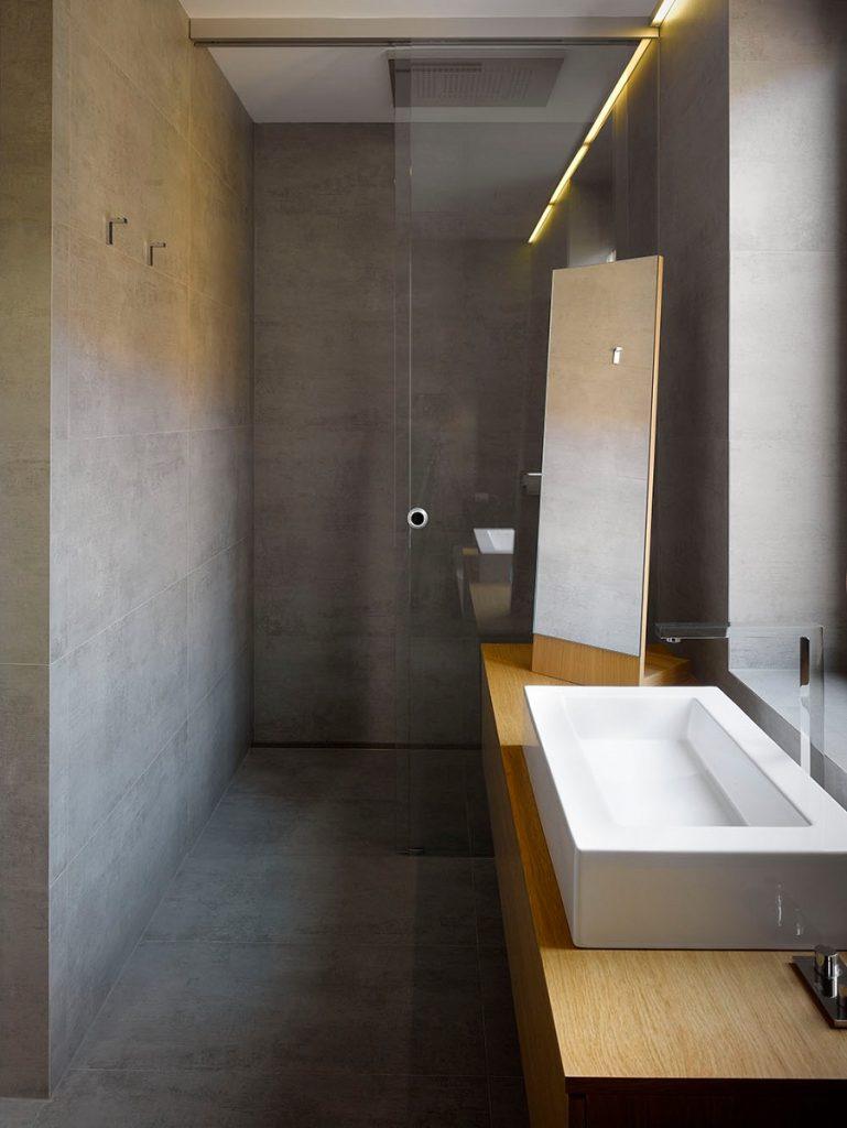 concrete minimalist bathroom