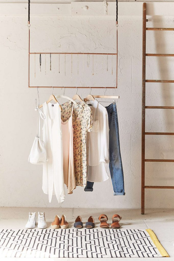 hanging uo rack
