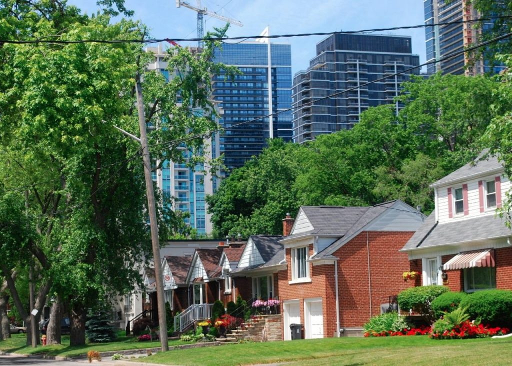 house prices toronto
