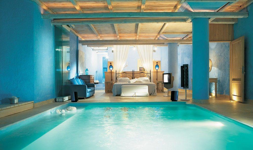 bedroom pool