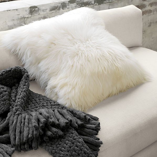 icelandic-sheepskin-24-pillow-cushion-compressed
