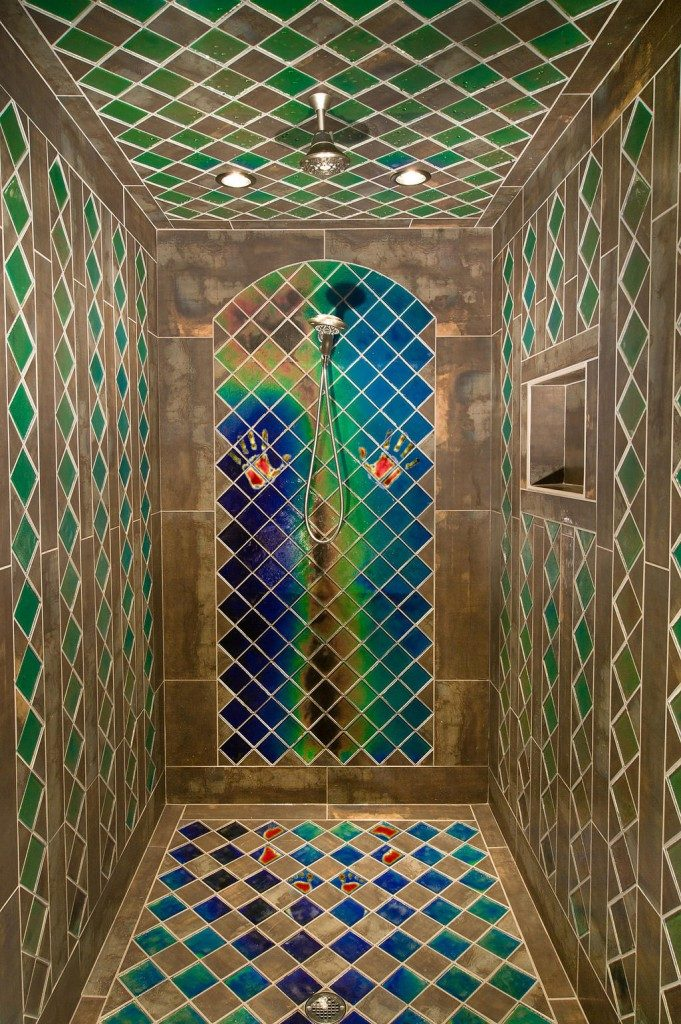 heat-sensitive shower bathroom