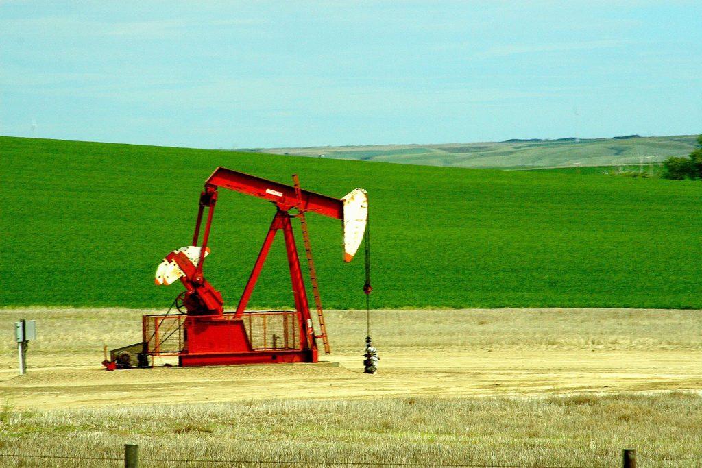 oil-canada-prairie