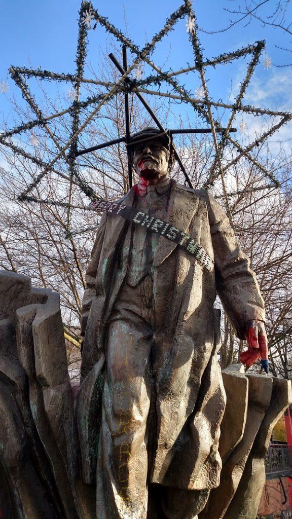 Seattle Lenin statue 5