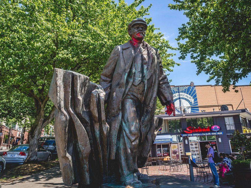 Seattle lenin statue 2