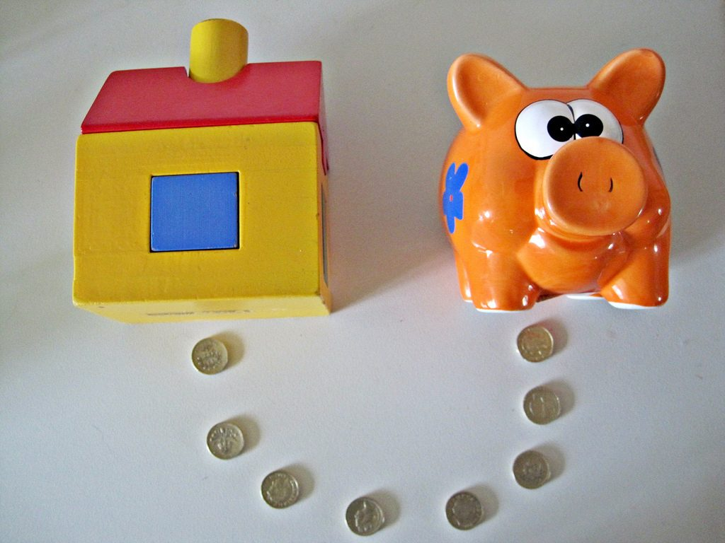 piggy-bank-coin-house
