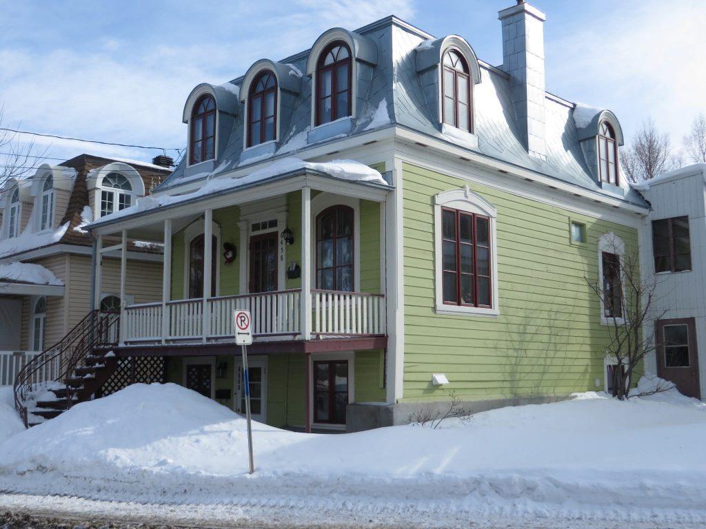 canada-home-snow
