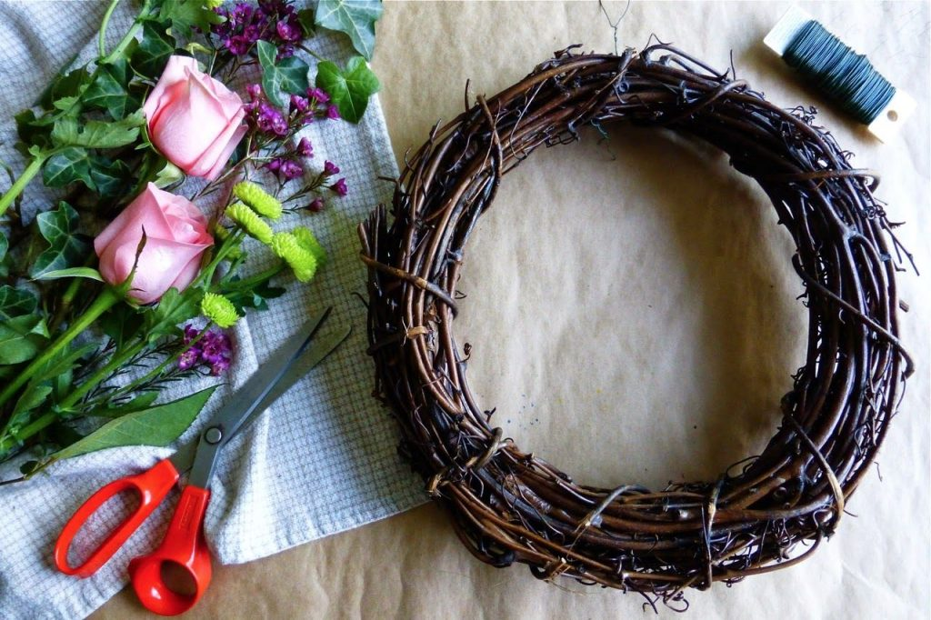 diy spring wreath-compressed