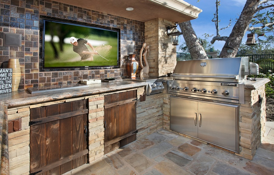 outdoor kitchen TV 1