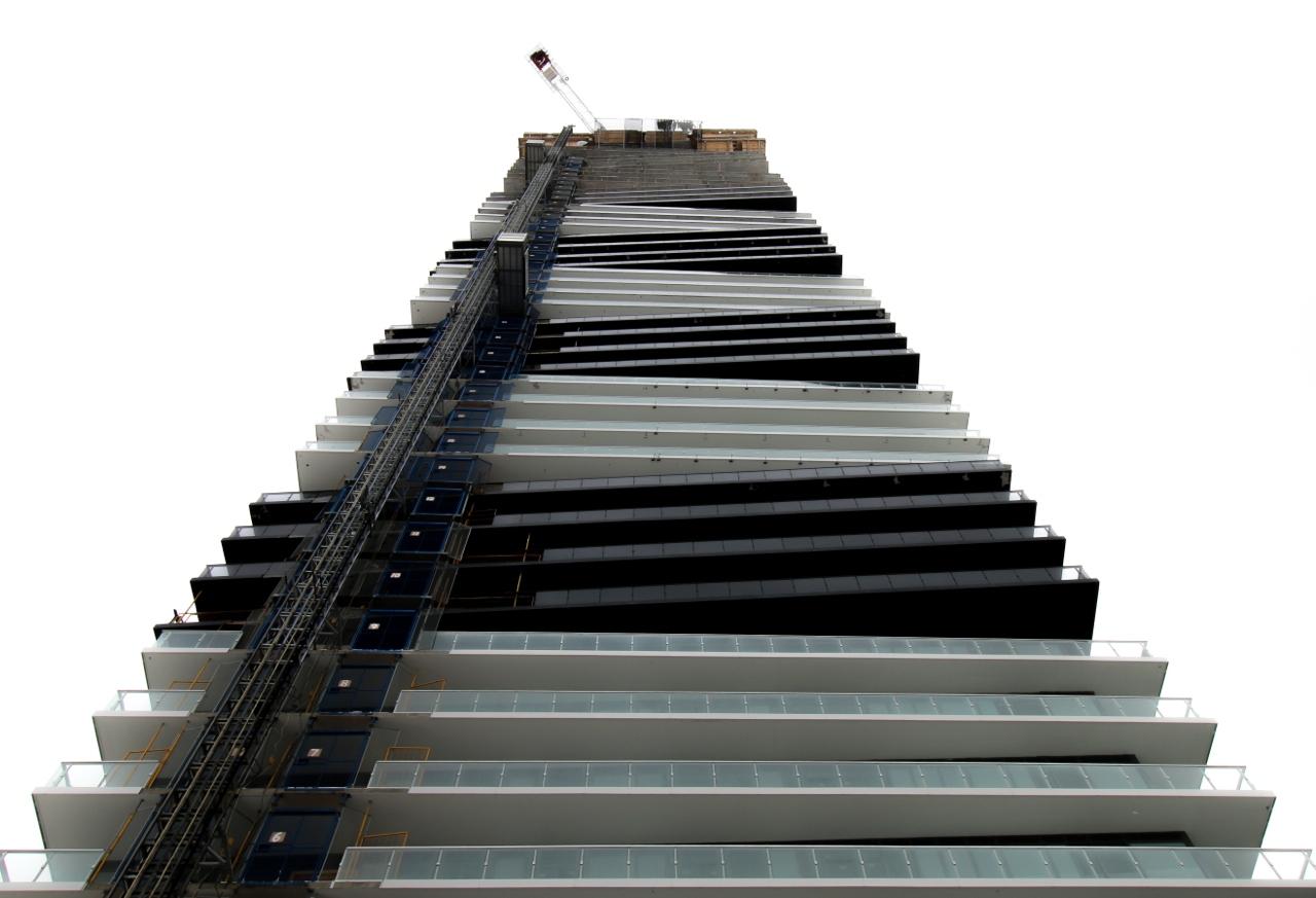 Lago_Construction_Exterior2