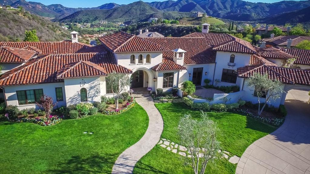 britney spears mansion-min