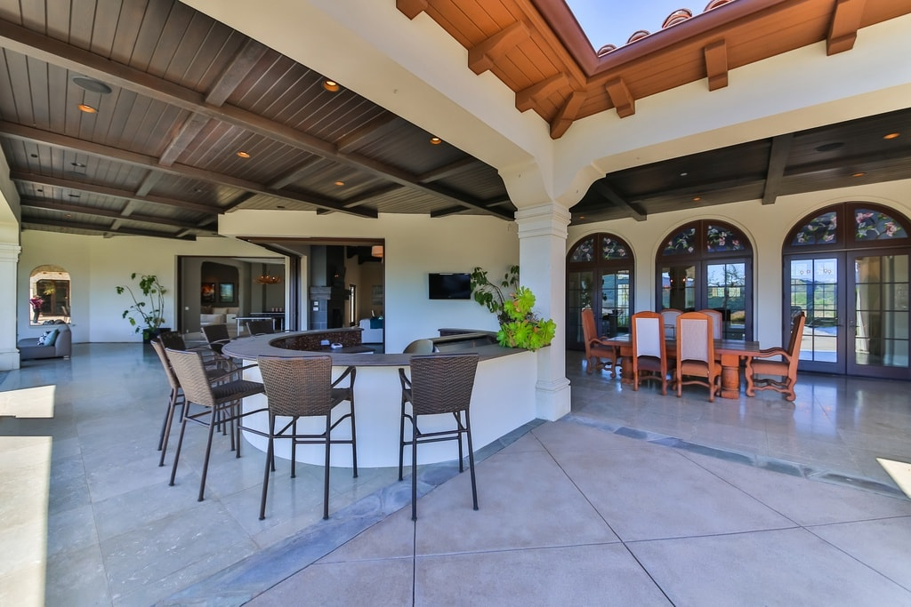britney spears outdoor space-min