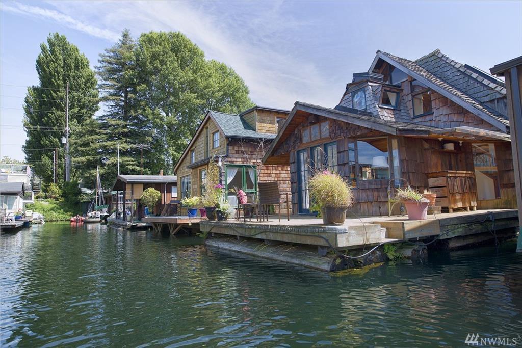 houseboat-3