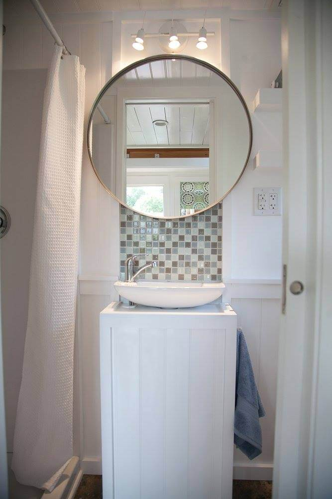 tiny house mirror-compressed