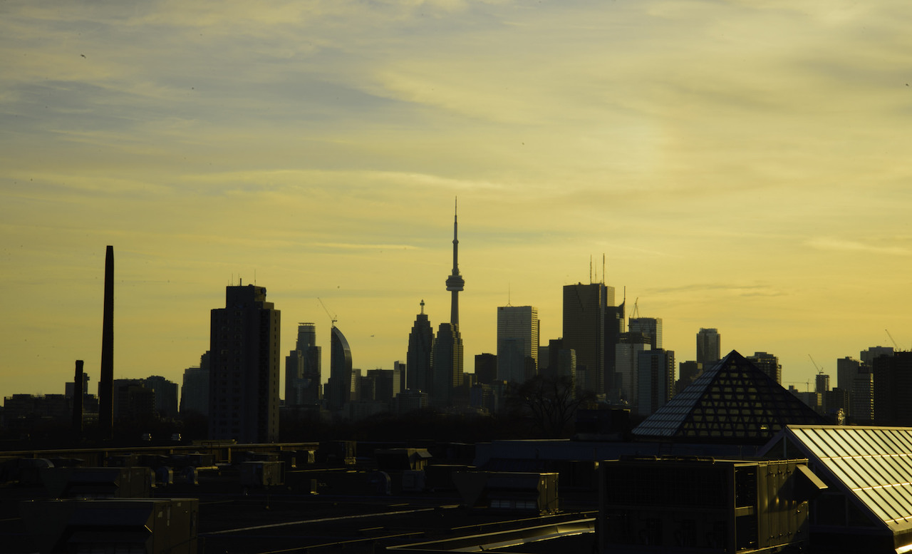 toronto-skyline-chinese-buyers