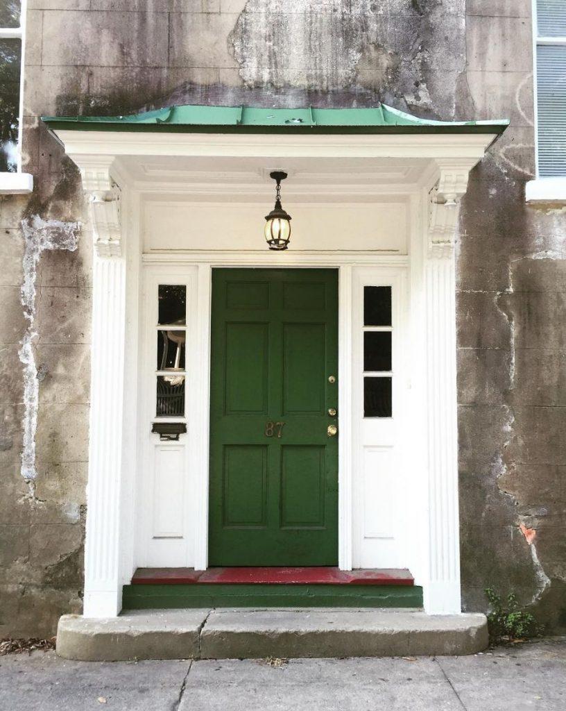 17 Photos That Will Inspire You To Repaint Your Front Door