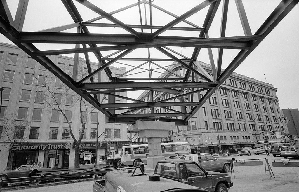 portage-avenue-overpass-1987