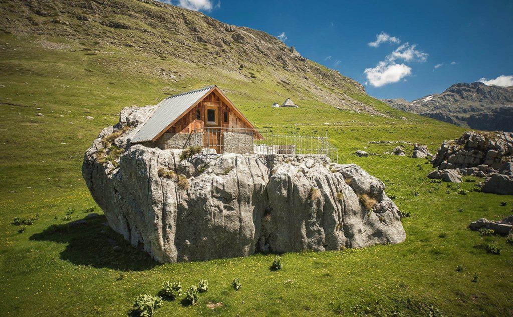montenegro cabin-compressed