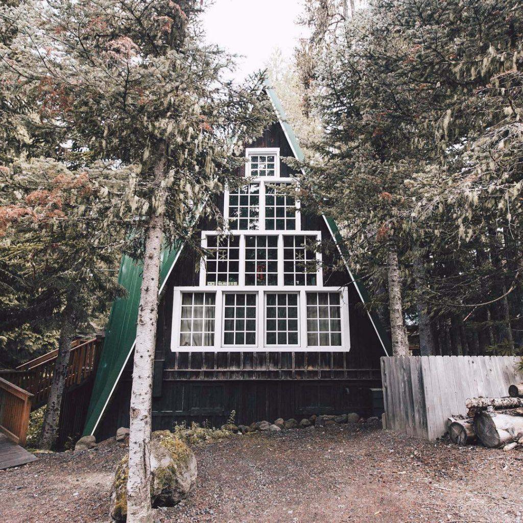 windows cabin-compressed (1)